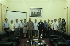 Professor delegation of Hawaii University visits and works at our university